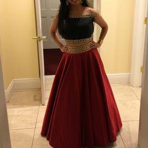 Dresses & Skirts - Lehanga/ crop top skirt